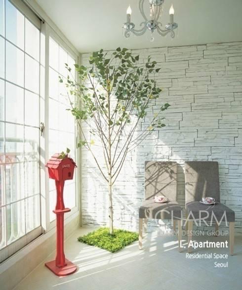 가족을 위한 L 아파트: 참공간 디자인 연구소의  베란다