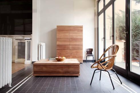 Teak Burger Storage and Coffee Table: Oficinas y tiendas de estilo  por bolighus design