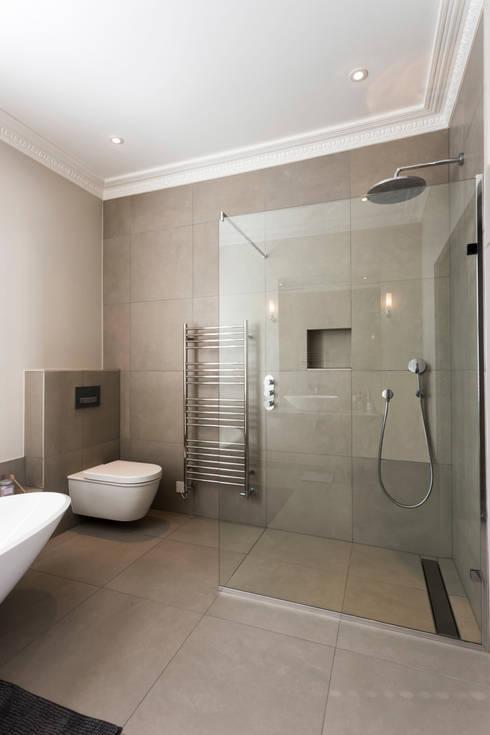 Wet Room : modern Bathroom by Affleck Property Services