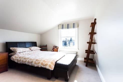 Bedroom: modern Bedroom by Affleck Property Services