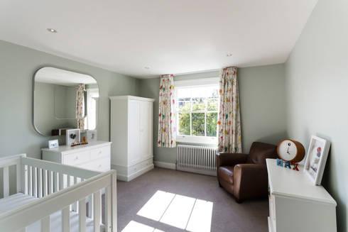 Nursery: modern Nursery/kid's room by Affleck Property Services