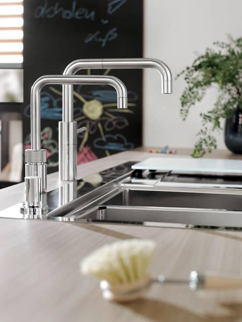 Cocinas de estilo moderno por Quooker Deutschland GmbH