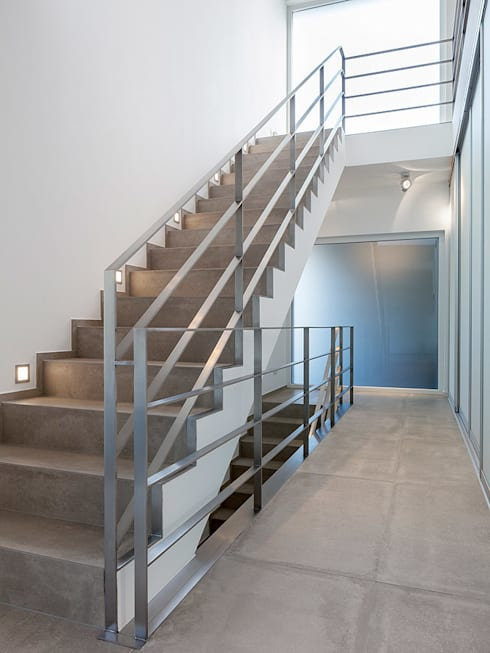Corridor and hallway by Skandella Architektur Innenarchitektur