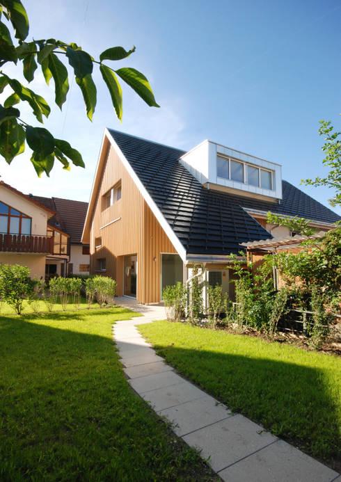 Huizen door Bogen Design GmbH