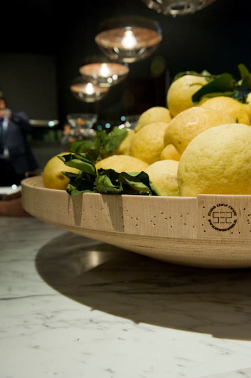 Twisted Bowl Poliform stand Salone Del Mobile 2012:  Kantoor- & winkelruimten door Studio Erwin Zwiers