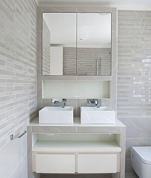 102 Harley Street:  Bathroom by Sonnemann Toon Architects