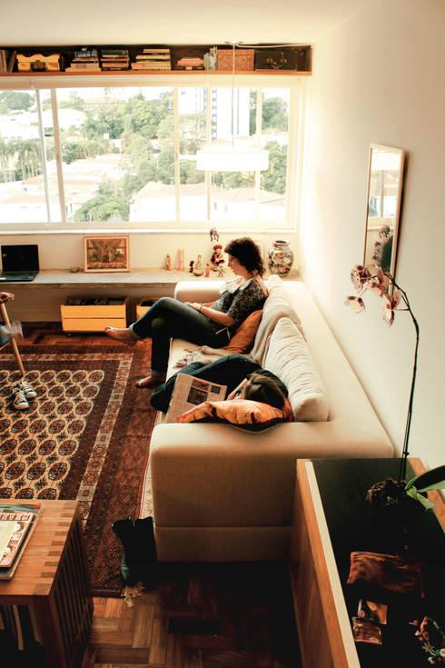 Apartamento Pinheiros: Salas de estar  por ODVO Arquitetura e Urbanismo
