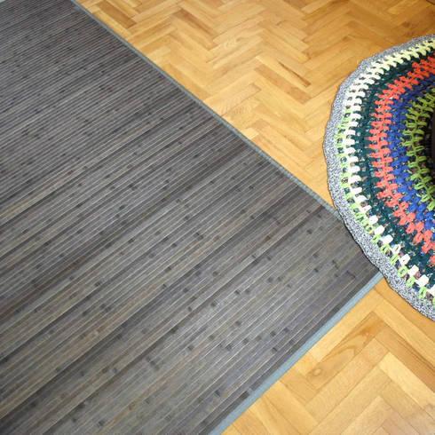 Vestir suelos con alfombras de bamb de latiendawapa homify for Alfombra redonda gris