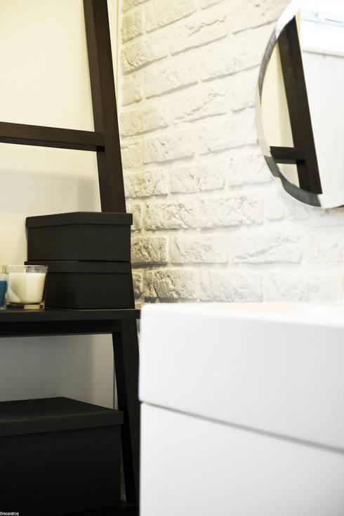 Remont łazienki małym kosztem: styl , w kategorii Łazienka zaprojektowany przez RTP Consulting Sp. z o.o.