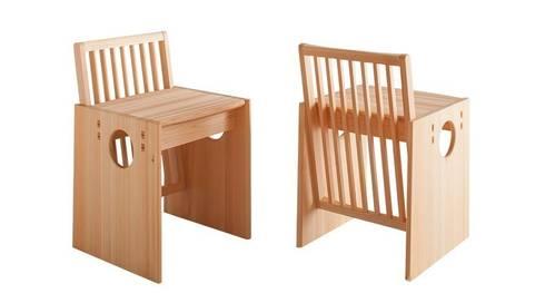Cube Chair: tona BY RIKA KAWATO / tonaデザイン事務所が手掛けたダイニングルームです。