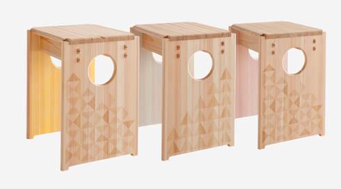 Cube Stool Color: tona BY RIKA KAWATO / tonaデザイン事務所が手掛けた多目的室です。