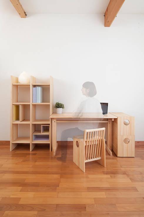 Study/office by tona BY RIKA KAWATO / tonaデザイン事務所