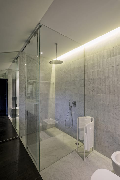 MG2 Architetture – Interior with terrace: Bagno in stile in stile Moderno di mg2 architetture