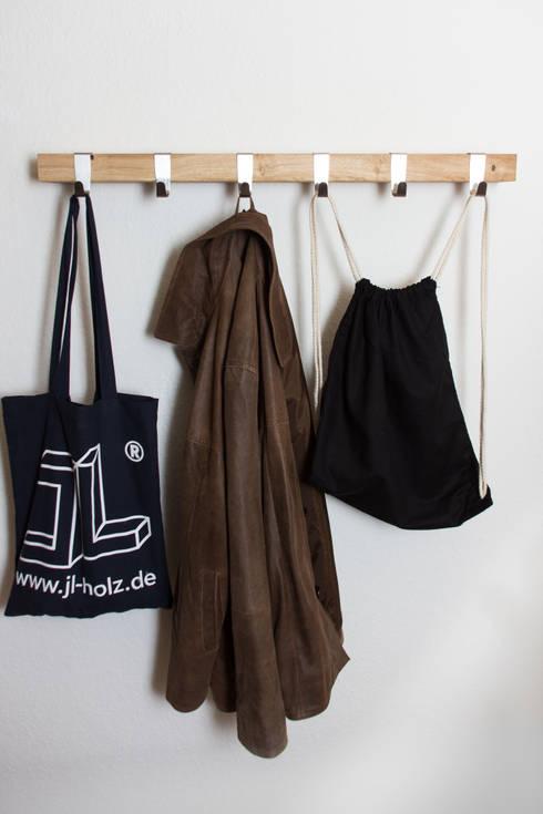 JL-Holz Garderobe Marie:  Flur, Diele & Treppenhaus von JL-Holz