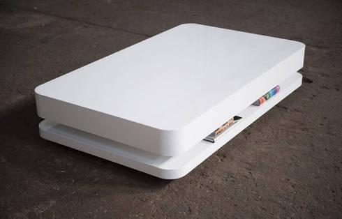 RKNL20 Salontafel: minimalistische Woonkamer door RKNL