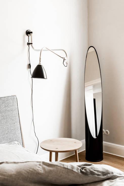 Dom pod Berlinem: styl , w kategorii Sypialnia zaprojektowany przez Loft Kolasiński