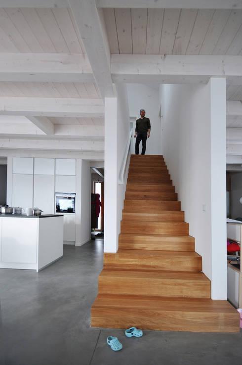 Form follows Bebauungsplan:  Flur & Diele von Pakula & Fischer Architekten GmnH