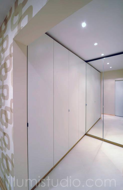 GARDEROBA: styl , w kategorii Garderoba zaprojektowany przez ILLUMISTUDIO