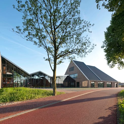 Entreehal:  Scholen door Peter van Aarsen Architect