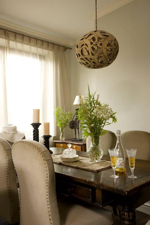 Dom Tancerzy: styl , w kategorii Jadalnia zaprojektowany przez Pracownia Projektowa Poco Design