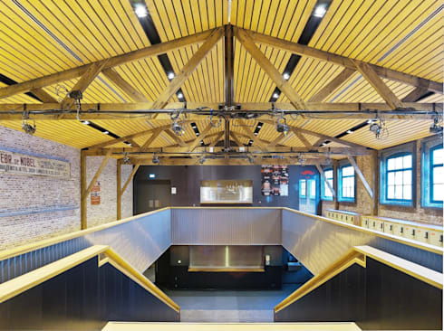 Foyer (Foto: Petra Appelhof):  Bars & clubs door Ector Hoogstad Architecten