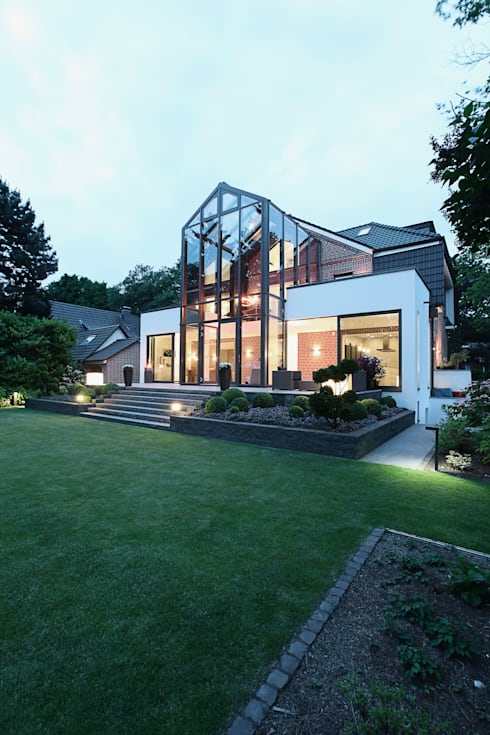 Rumah by 28 Grad Architektur GmbH