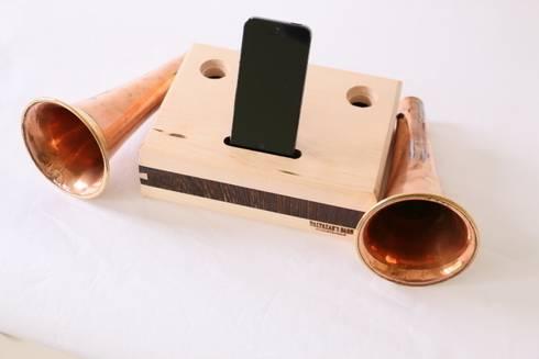 Double Canadian Hunting Horn iPhone: klasieke Eetkamer door Baltazar's Barn