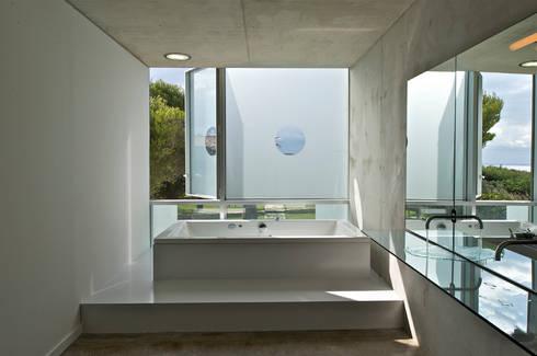 Maison Piscine, St Cyr sur Mer by MOA architecture | homify