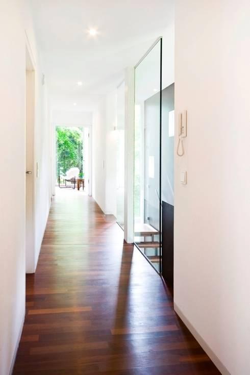lignotrend au en schmal innen luftig efh am bodensee raffinierte konstruktion in massivholz. Black Bedroom Furniture Sets. Home Design Ideas