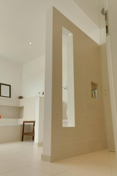 Badkamer door STRICK  Architekten + Ingenieure