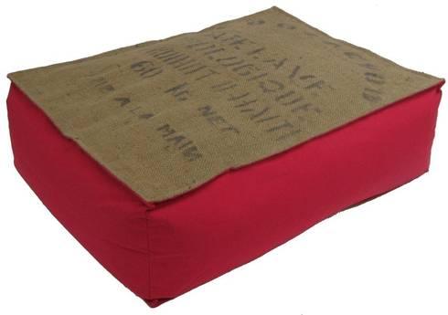poufs et coussins en toile de jute et coton par cabane indigo homify. Black Bedroom Furniture Sets. Home Design Ideas