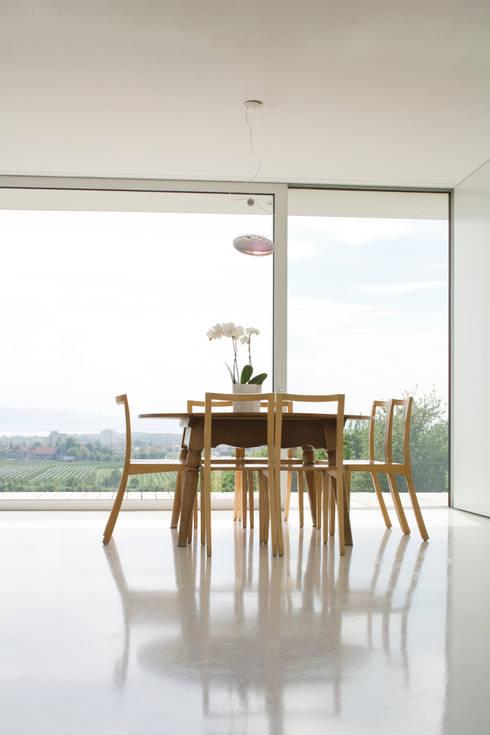 Essplatz1:  Esszimmer von GMS Freie Architekten Isny / Friedrichshafen