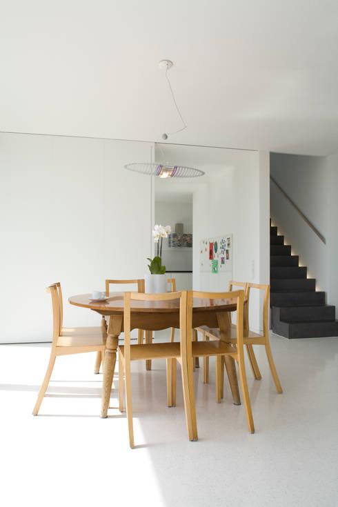 Essplatz2:  Esszimmer von GMS Freie Architekten Isny / Friedrichshafen