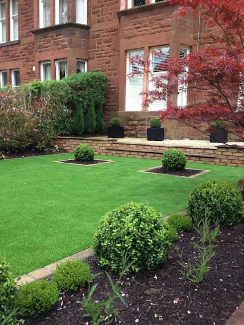 Artificial turf :   by Anne Macfie Garden Design