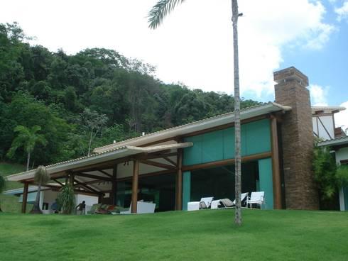 Residência TF: Casas modernas por Mascarenhas Arquitetos Associados