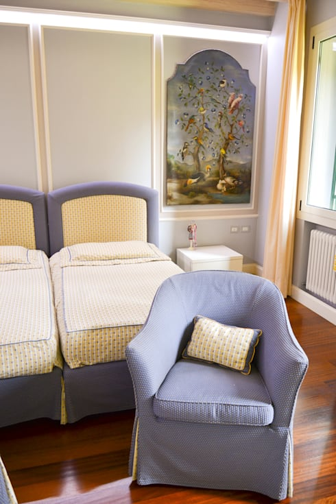 Casa_Privata_Cittadella: Camera da letto in stile in stile Classico di Studiogkappa