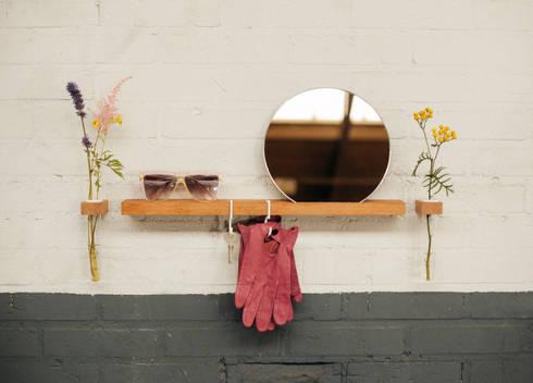 FIGR1.5 // Reflector: minimalistische Gang, hal & trappenhuis door FIGR1