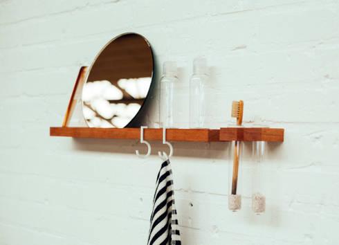 FIGR1 // Bathroom setting // Containers - Surface 50 - Reflector: minimalistische Badkamer door FIGR1