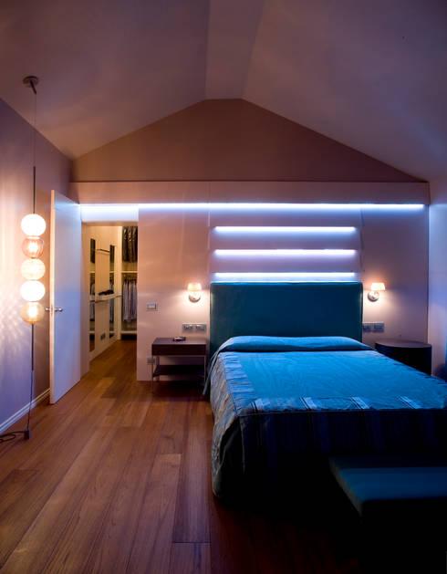 Casa_Privata_Vicenza: Camera da letto in stile  di Studiogkappa