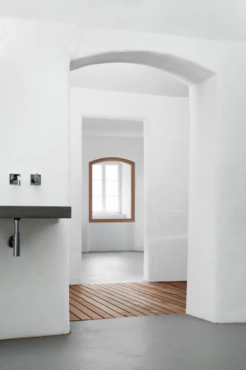 Revitalisierung SPA K: minimalistisches Spa von MAM Architekten