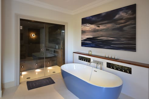 The master bathroom : modern Bathroom by Zodiac Design