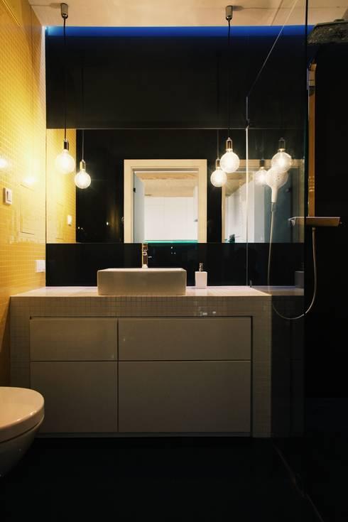 ofdesign Oskar Firek Plywood Warsaw łazienka: styl , w kategorii Łazienka zaprojektowany przez OFD architects