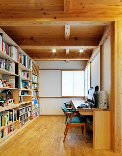 IR House: 磯村建築設計事務所が手掛けた和室です。