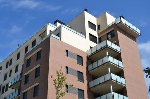 Vista exterior: Casas de estilo moderno de ALIA, Arquitectura, Energía y Medio Ambiente