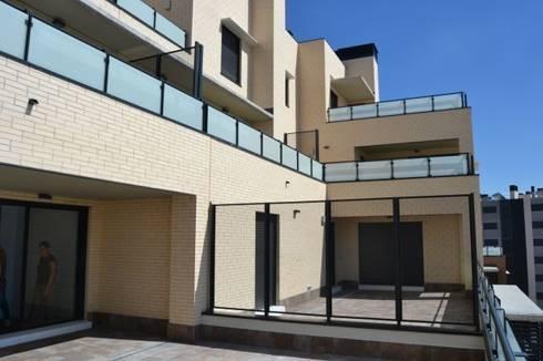 Vista terrazas: Terrazas de estilo  de ALIA, Arquitectura, Energía y Medio Ambiente