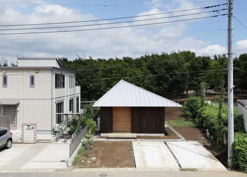 三角屋根の家: m・style 一級建築士事務所が手掛けた家です。