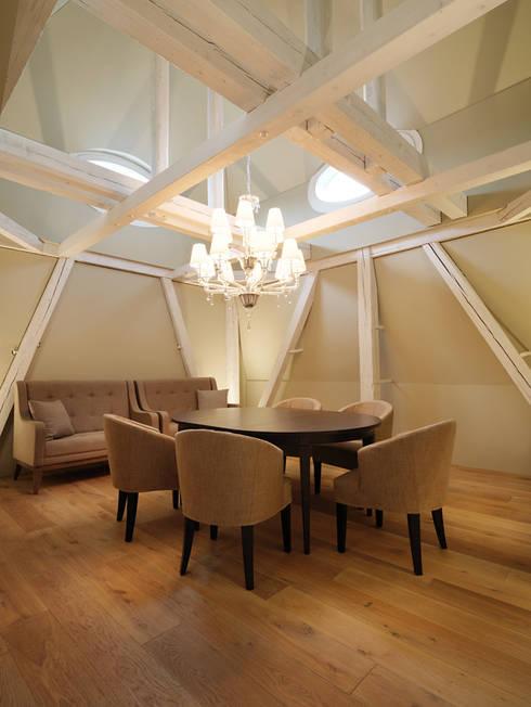 Penthouse Zürich 250m2:  Esszimmer von Iria Degen Interiors