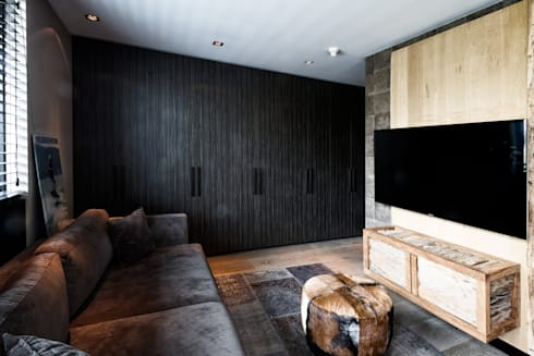 Lounge room: moderne Mediakamer door BB Interior