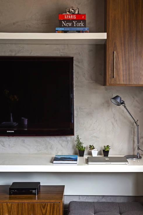 Apartamento LP: Salas multimídia modernas por BEP Arquitetos Associados