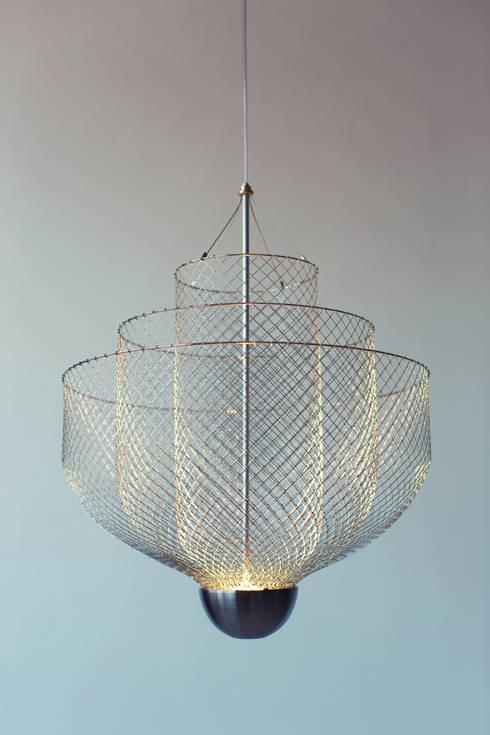 Meshmatics Chandelier: industriële Woonkamer door Atelier Rick Tegelaar